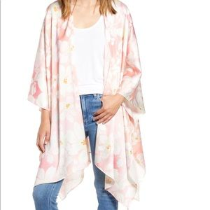 Nordstrom Print Ruana- New with tags